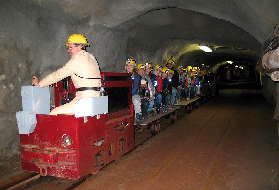 Fahrende Grubenbahn