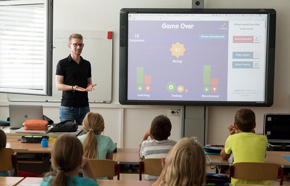 Lehrer unterrichtet